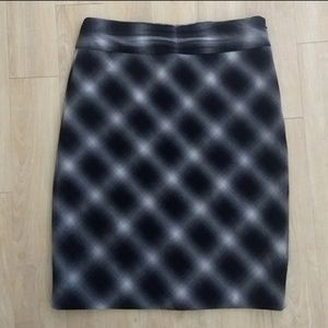 The Limited Pencil Skirt Size 8 Plaid Black White